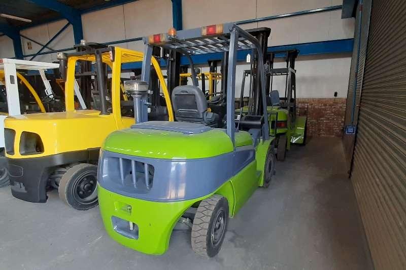 Clark Diesel forklift C45D Forklifts