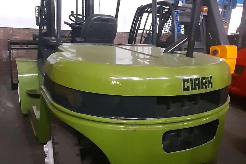 Clark Diesel forklift C70D Forklifts