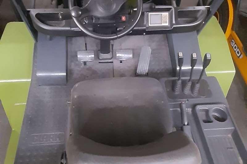 Clark Diesel forklift C80D Forklifts