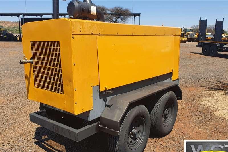 MOBILE COMPRESSOR WITH JOHN DEERE ENGINE Compressors