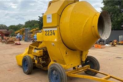 Concrete Mixer Winget 500R Concrete pumps