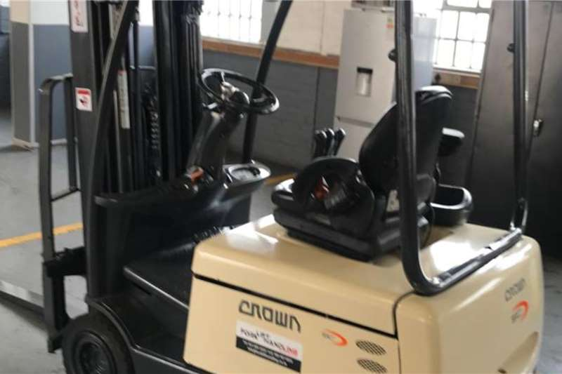 Crown Electric forklift Crown 1.8Ton Electric 3 Wheeler Forklift Forklifts