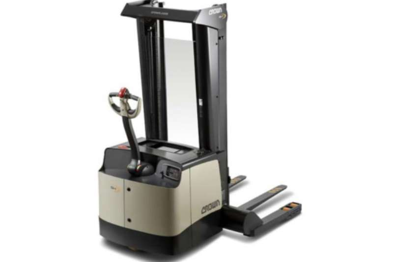 Crown Forklifts Electric forklift Crown Stackers – SH 5500 Series