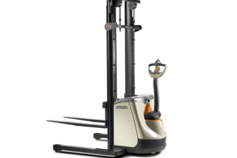 Crown Forklifts Electric forklift Crown Stackers – ST/SX 3000 Series