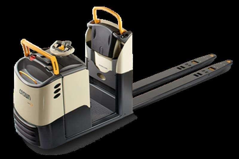 Crown Forklifts Electric forklift Low Level Order Picker – GPC Series