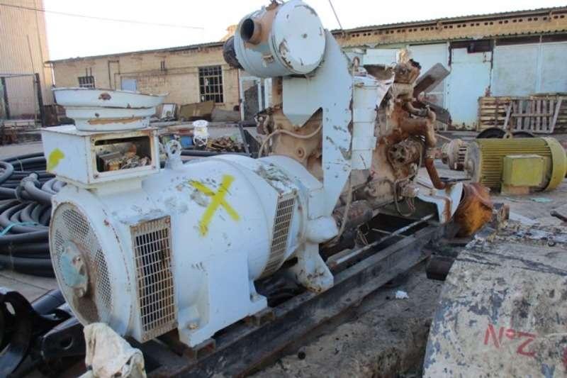 Cummins Generator Cummins Diesel 100 kVA, 500 / 550 V, Inline 6 Cyli