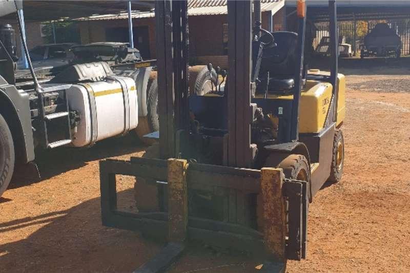 Daewoo Diesel forklift D30S (3t) Forklifts