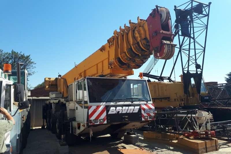 Demag Cranes 90 Ton Mobile crane 1990