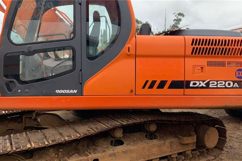 Doosan Excavators DX220A 2014