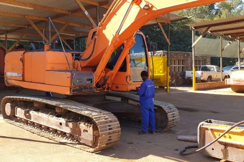 Doosan Excavators DX225LCA 2011