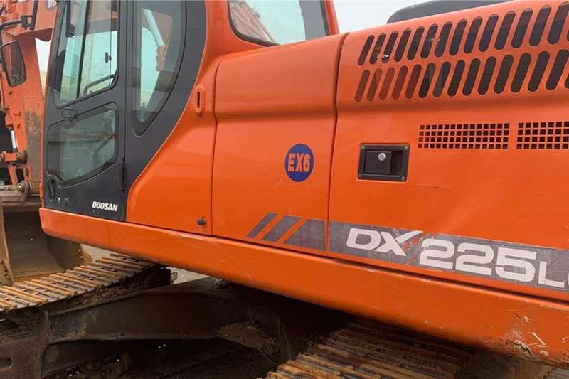 Doosan Excavators DX225LCA 2012