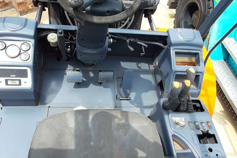 Doosan Diesel forklift D80s 5 Forklifts
