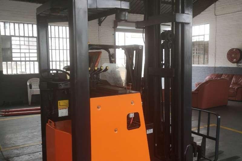 Doosan Electric forklift Pro 5 1.6 Ton Reach Truck Forklifts