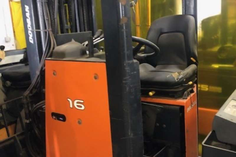 Doosan Forklifts Reach Truck BR16JW 2012