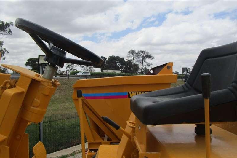 2010 Winget  4B2000