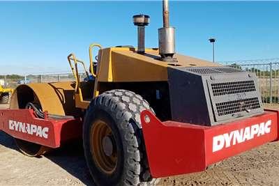 Dynapac CA280D滚轮