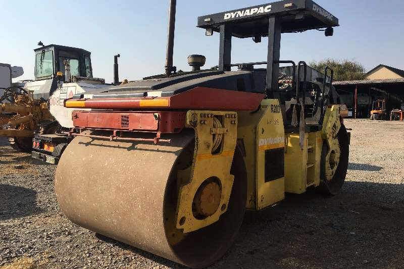 Dynapac Rollers Dynapac Double Drum CS422 smooth drum 1999