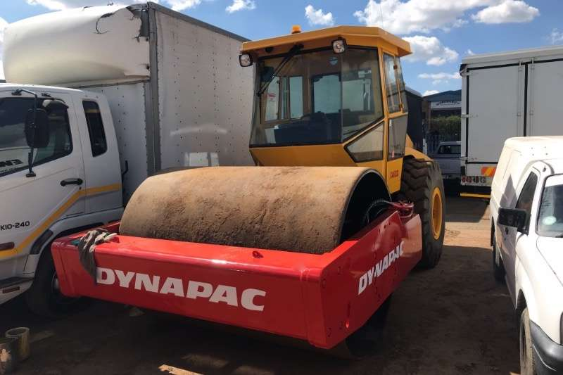 Dynapac Rollers Vibratory roller CA602D 21 TON SMOOTH DRUM 2009