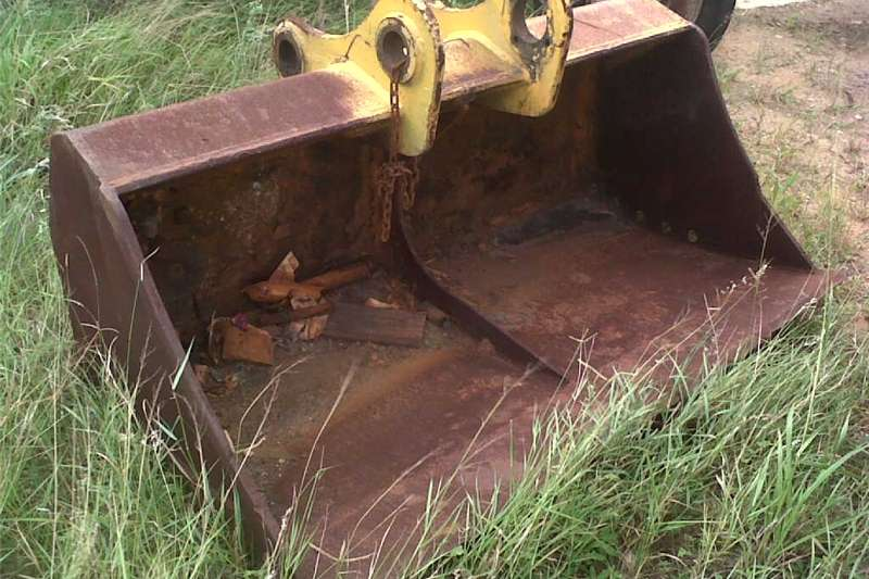 Excavators Komatsu excavator 1.8 m trimming bucket