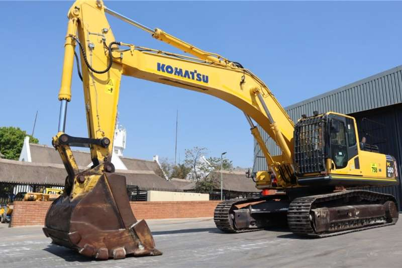 2015 Komatsu  PC350LC-8 Excavator