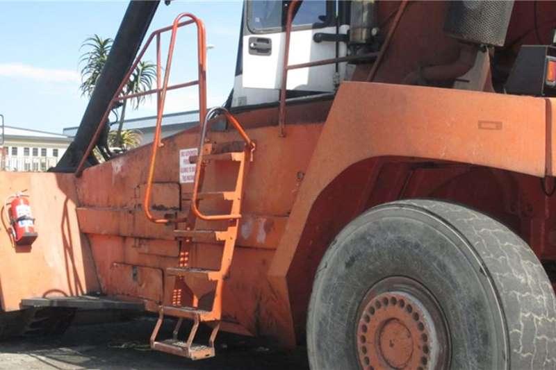 Fantuzzi 45 ton Fantuzzi Reach stacker