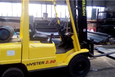 2.5 ton Hyster LP gas Forklifts