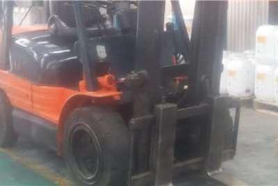 2.5 ton Toyota diesel Forklifts