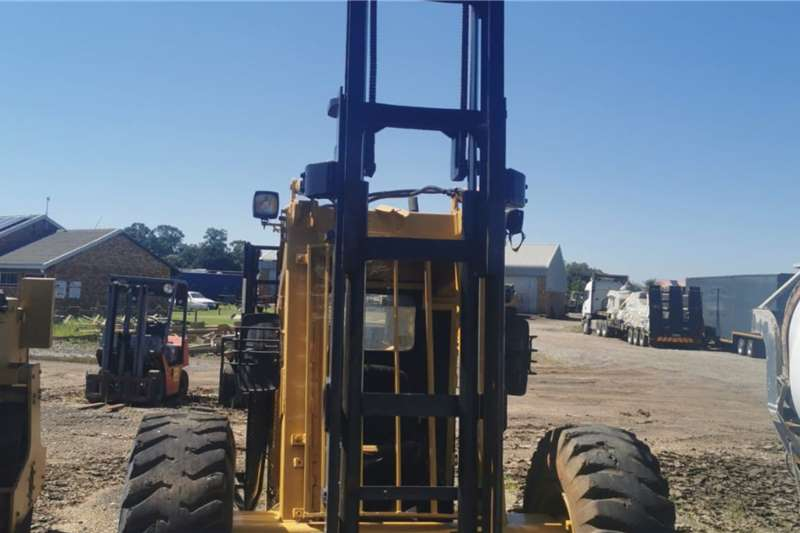 3.2 ton Barlift rough terrian Forklifts