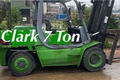 7 ton Clark Forklifts