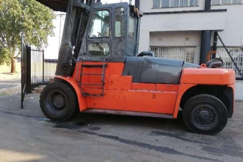 Forklifts Diesel forklift 20 ton Rhino Heli 2016