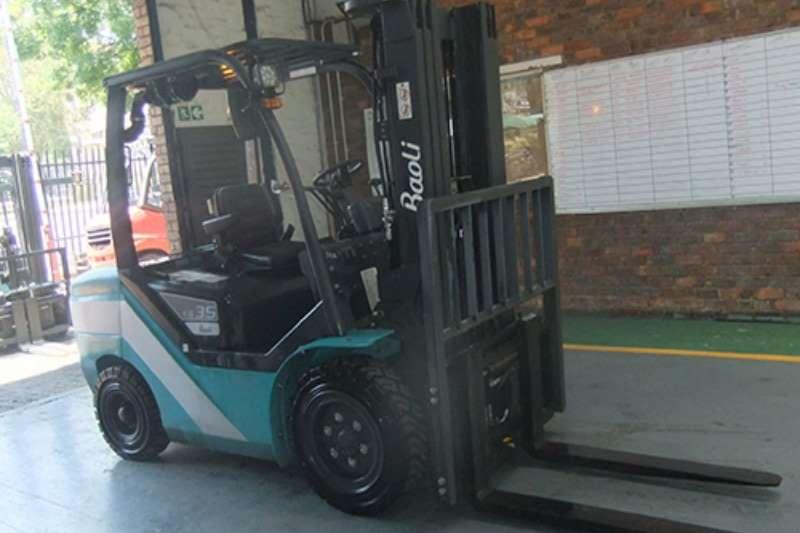 Forklifts Forklifts Diesel forklift Baoli 3 tonKBD35 2017