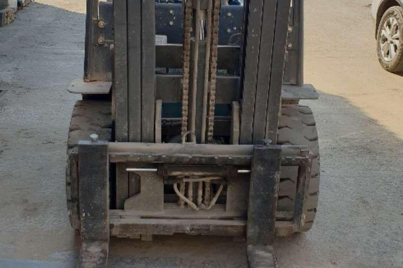 Forklifts Forklifts Diesel forklift KB25 Baoli 2.5 ton 2016