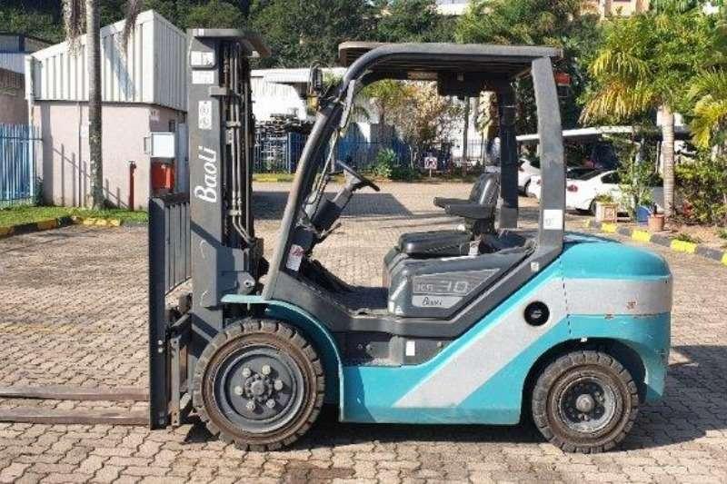 Forklifts Forklifts Diesel forklift KB30 Baoli 3 ton 2016
