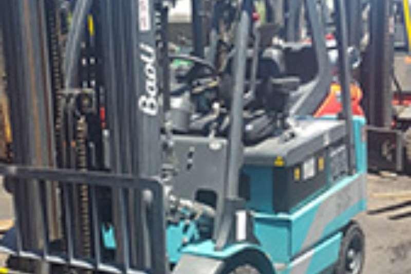 2017 Forklifts