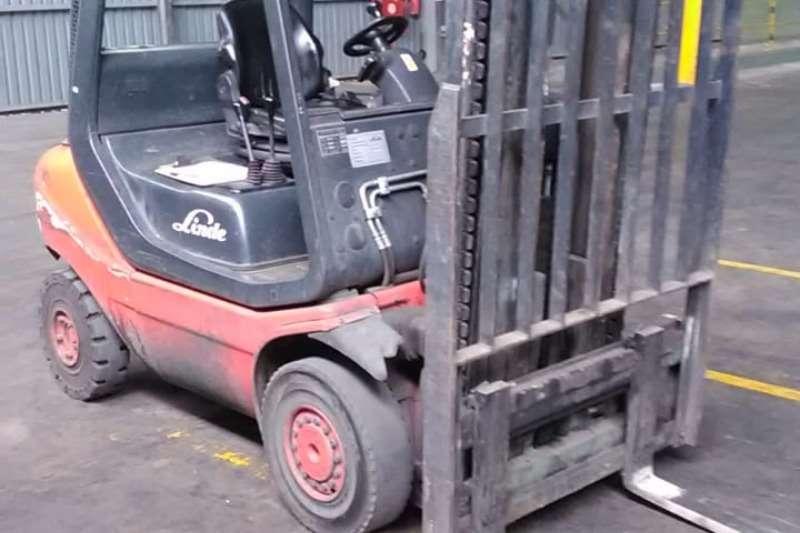 2015 Forklifts