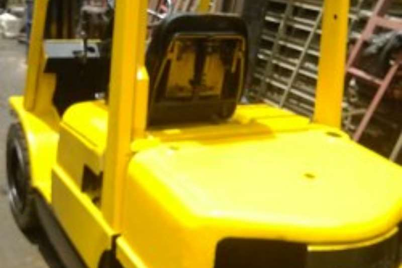 Hyster  2.5ton -XM - 2 Stage cont mast to 4.0m, Side Shift