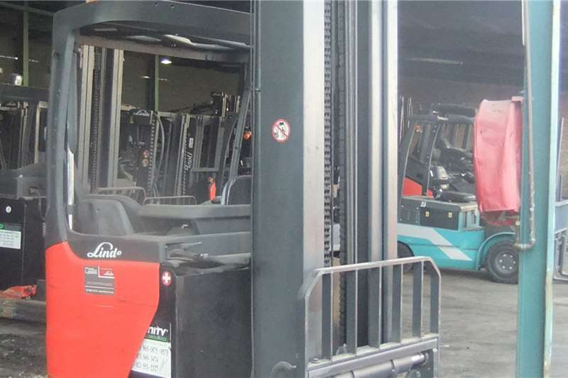 2013 Linde  1,6 Ton Reach TruckR16