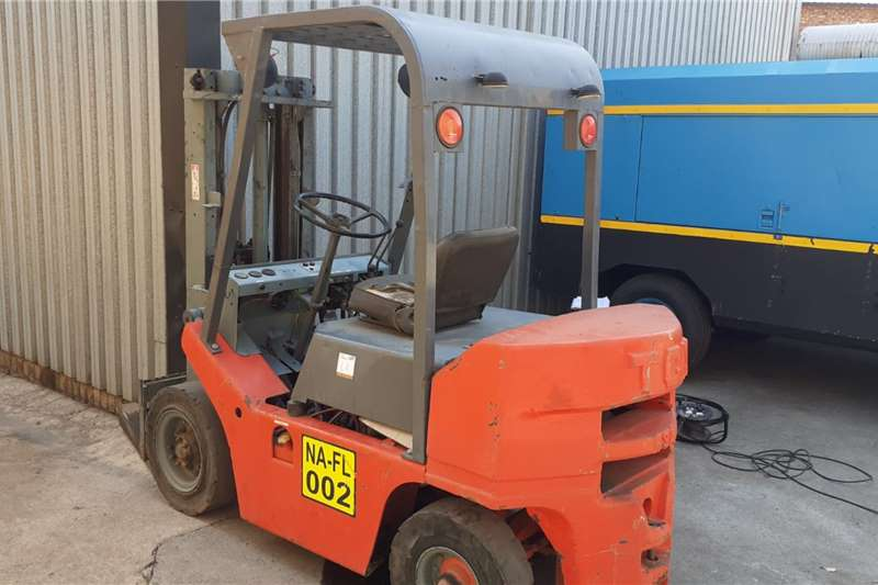 Petrol forklift 2.5 ton TCM petrol Forklifts