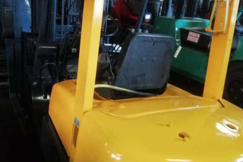TCM  2.5 Ton Diesel 3m Lift Solid Tyres Side Shift