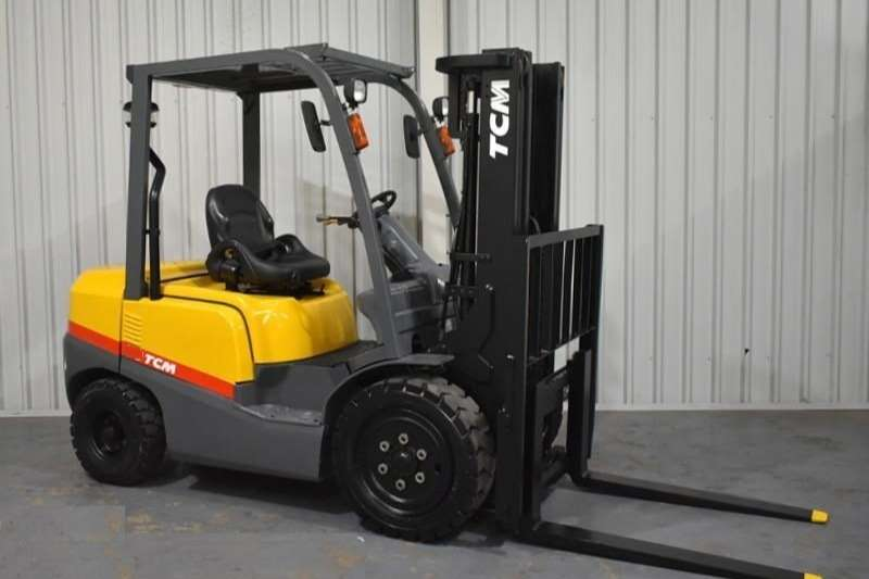 TCM  2.5Ton FD25Z T3 Forklift