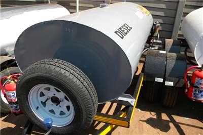 Fuel Tankers 1500 liter Fuel tankers