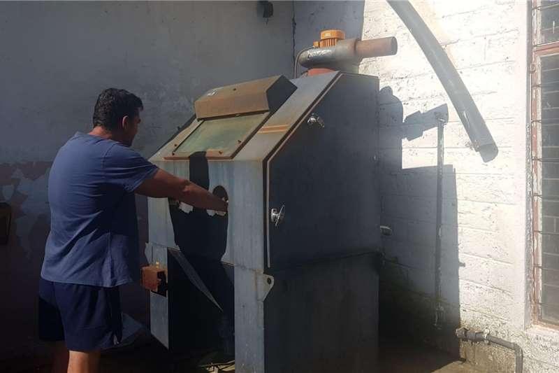 Generator Sand Blaster Industrial