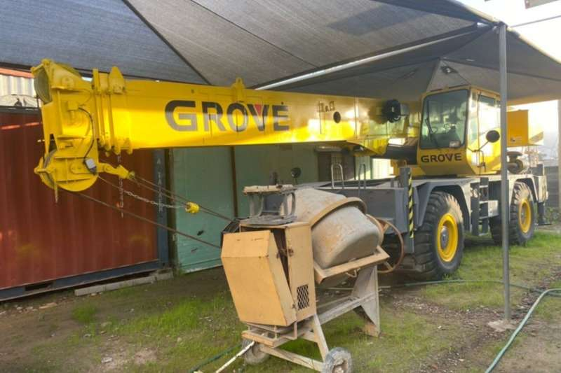 Grove Rough terrain RT530E 2 Cranes