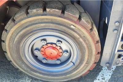 Heli 4.5 Ton Isuzu Forklift Forklifts
