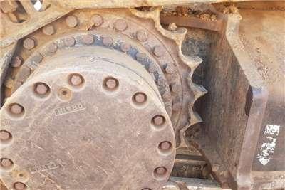 Hitachi 270 Excavators