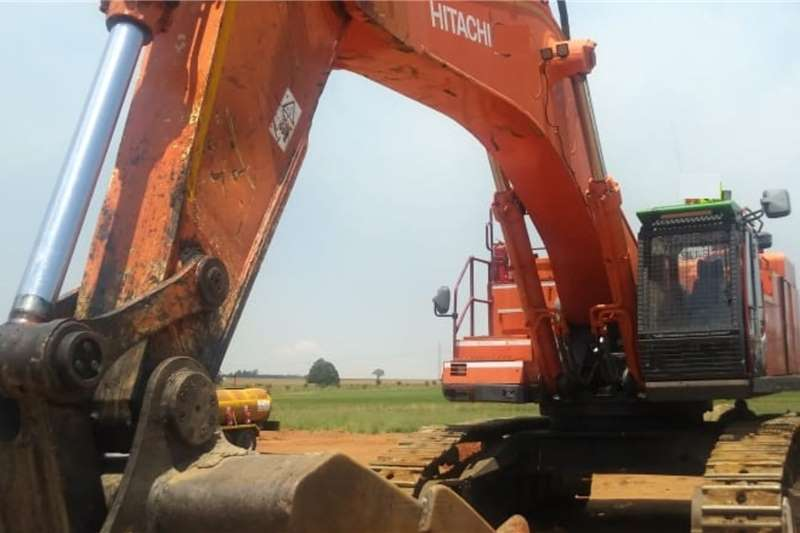 Hitachi Excavators 870 3 2012