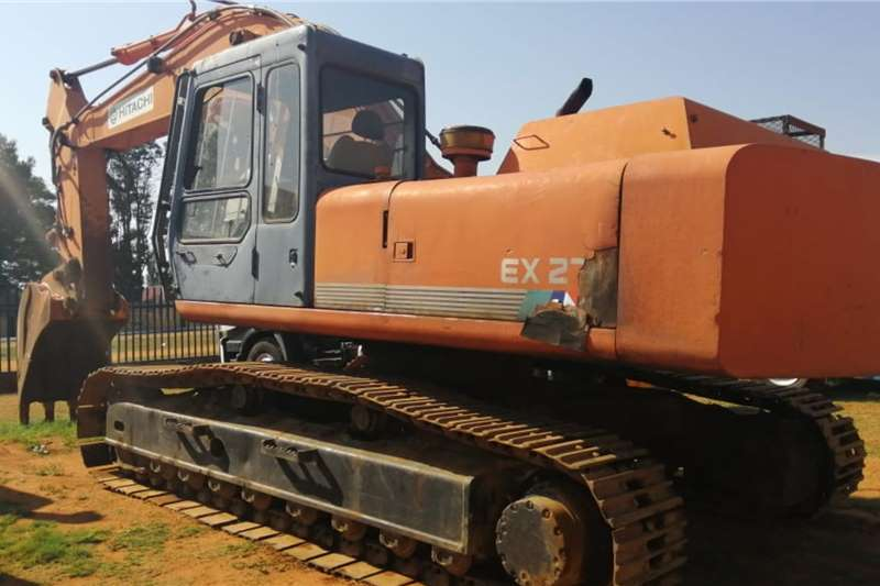 Hitachi EX270 (27t) Excavators