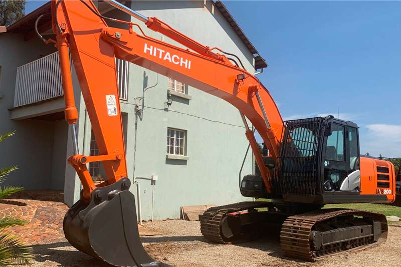 Hitachi Excavators Hitachi ZX200   5G 2017
