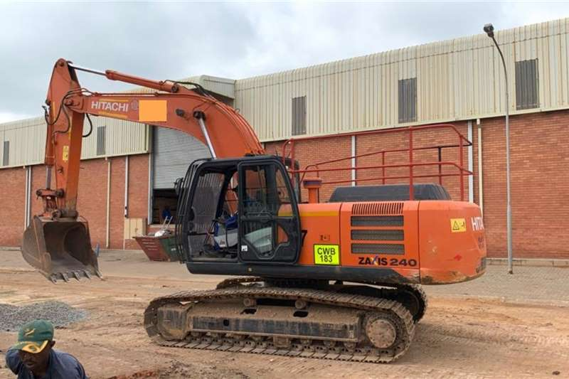 Hitachi Excavators ZX240   5G (24t) (Viewing by appointment)   2 avai 2015