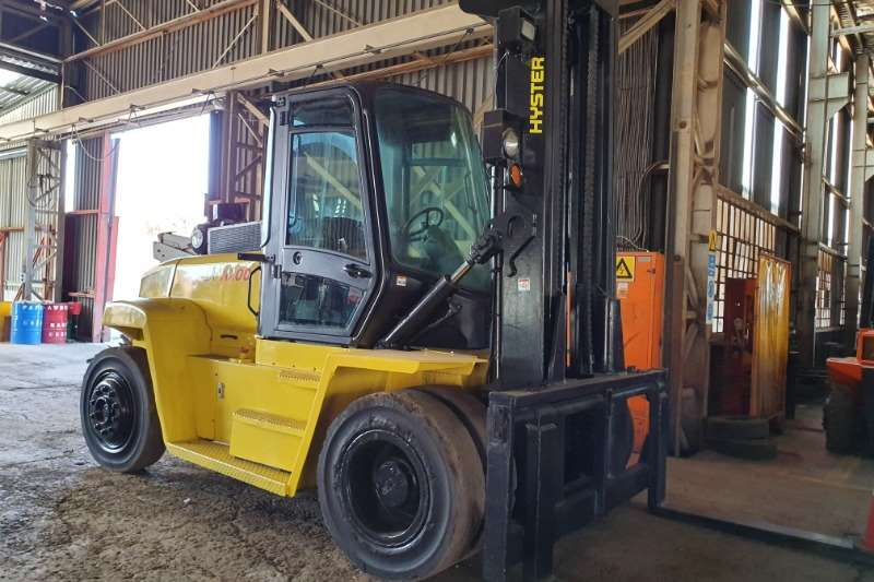 Hyster Forklifts Diesel forklift (10t)   Viewing by appointment only 2011